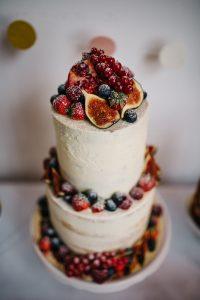 Naked Cake auf einer Hochzeit in Brandenburg - Herzklopfreportagen by Steven Ritzer