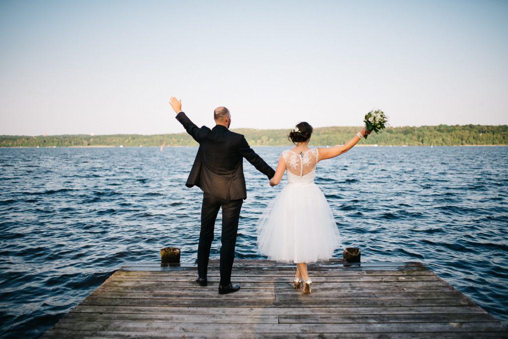 Glückliches Brautpaar bei einer Hochzeit in Potsdam