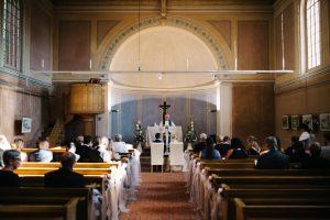 Kirchliche Trauung in Petzow Brandenburg - Herzklopfreportagen by Steven Ritzer