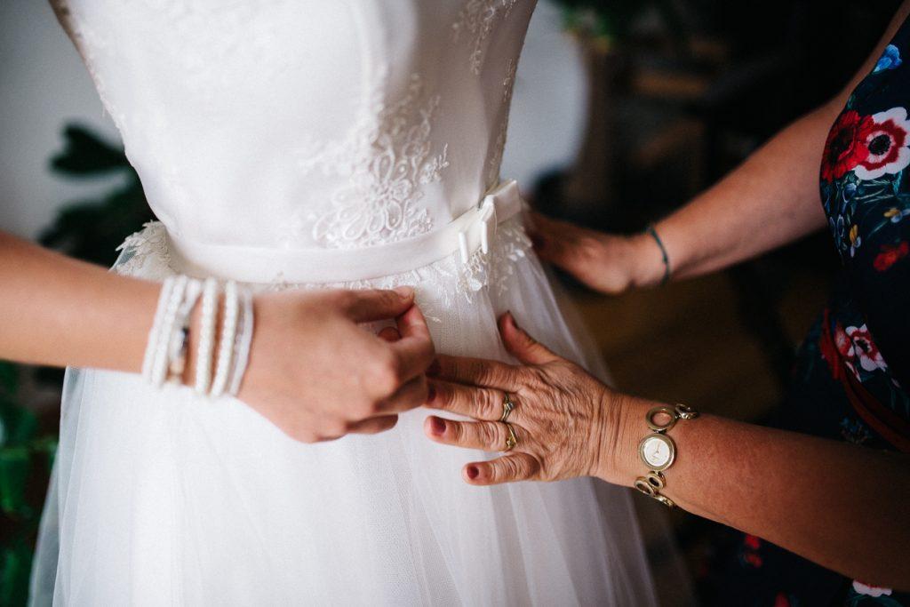 Schleif am Hochzeitskleid Potsdam